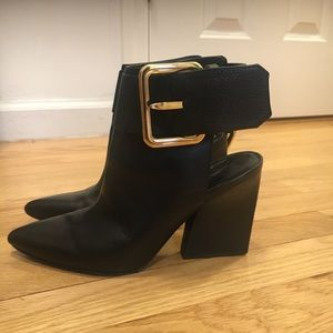 Sigerson Morrison bootie, used in good condition